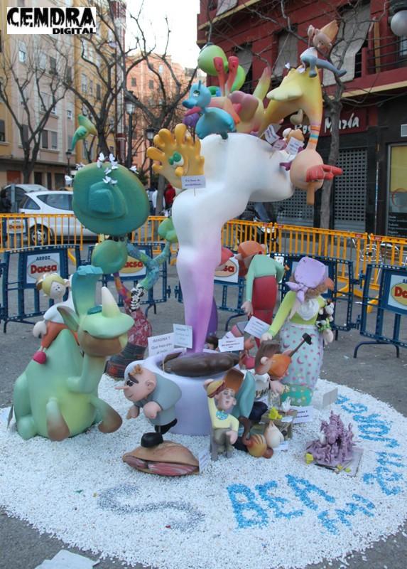 02-053-Plaza del Pintor Segrelles infantil