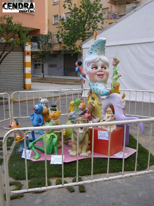 12-280-Plaza del Doctor Berenguer Ferrer infantil